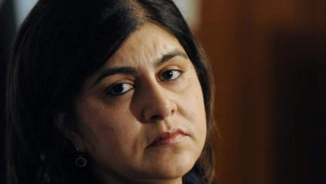 Foto de archivo tomada el 10 de octubre de 2013 de la exsecretaria de Estado británica de Asuntos Exteriores, Sayeeda Warsi, en Islamabad (Pakistán).