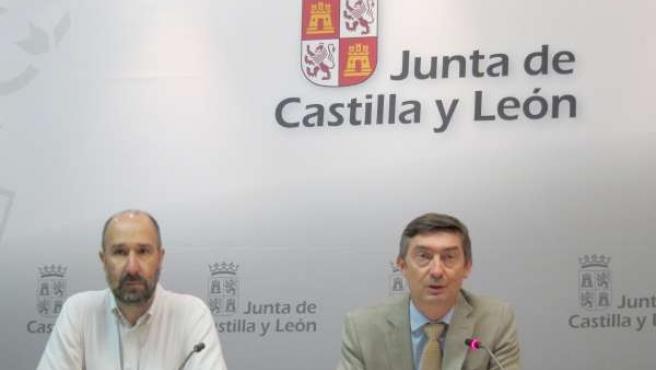 El director general de Medio Natural, José Ángel Arranz, a la derecha de la foto
