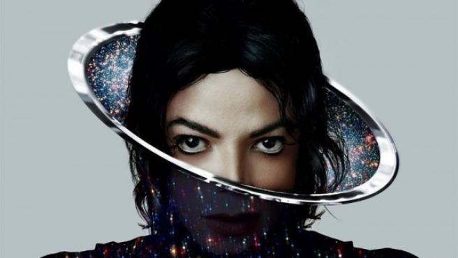 El rostro de Michael Jackson asoma en la carátula de su último disco póstumo, 'Xscape'.