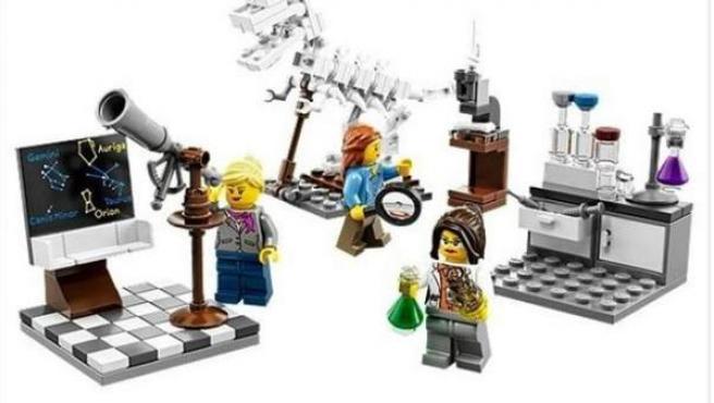 Lego ha lanzado una nueva colección de mujeres científicas tras las críticas por sexismo en sus muñecos.