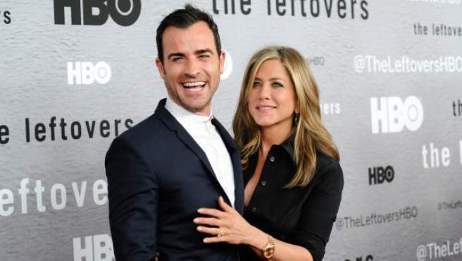 Los actores Jennifer Aniston y Justin Theroux en la premiere de la serie 'The Leftovers' en Nueva York.