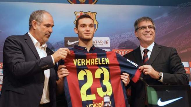 El central belga Thomas Vermaelen, procedente del Arsenal, durante su presentación como nuevo jugador del FC Barcelona en el Camp Nou.