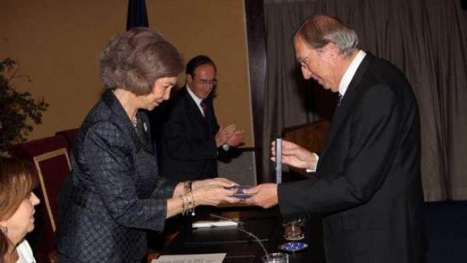 Foto de archivo de Navarro Baldeweg con la reina Sofía