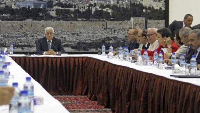 El presidente de la Autoridad Nacional Palestina (ANP) ofrece una rueda de prensa de urgencia en la ciudad cisjordana de Ramala.