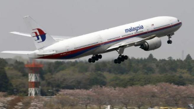 Un avión de Malaysia Airlines, en plena maniobra de despeque.