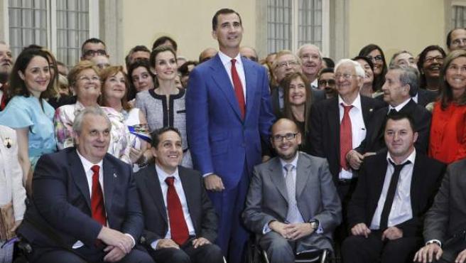 Don Felipe y doña Letizia reciben en el Palacio de El Pardo a unos 350 representantes de organizaciones que ejercen la solidaridad en España.