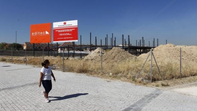 Estructura sin terminar del futuro colegio público bilingüe Margaret Thatcher, en el distrito de Barajas de Madrid capital. Las obras deberían haber concluido el año pasado.
