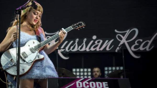 La cantautora de indie, folk y pop española Russian Red durante su actuación en el DCODE.