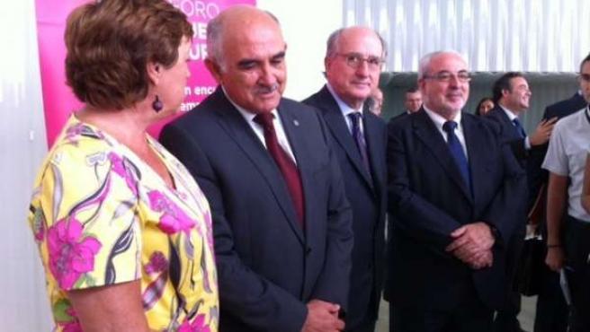 Antonio Brufau junto con Barreiro, Garre y Mendoza