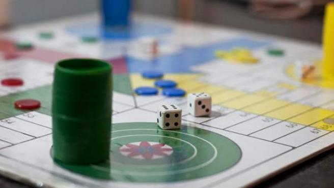 Imagen de una juego de parchís.