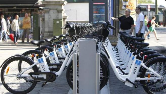 Serviciod e alquielr de bicicletas del Ayuntamiento de Madrid el día de su estreno.