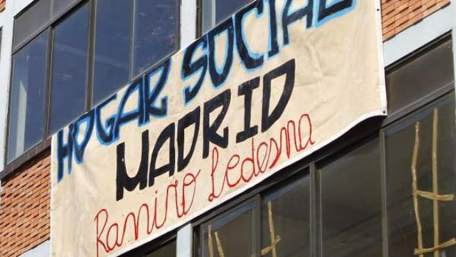 "Exterior del Hogar Social Madrid ""Ramiro Ledesma"", en Tetuán."