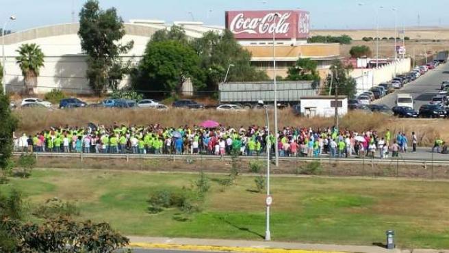 Concentración ante las puertas de Ence Huelva