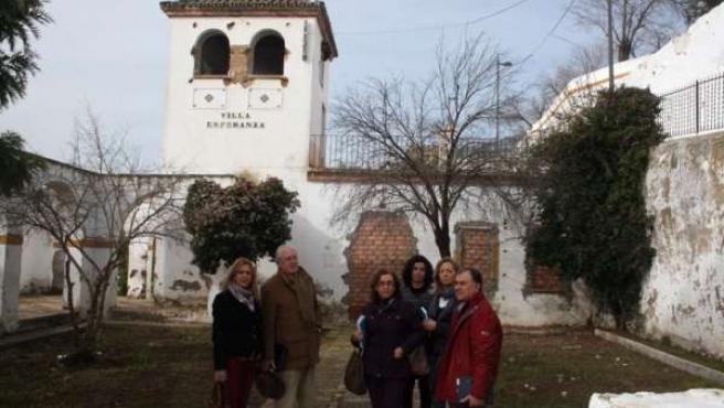 El parlamentario del PP, Jaime Raynaud, visitó Alcalá de Guadaíra.