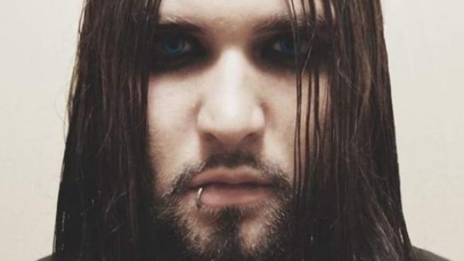 Wes, hijo de Nicolas Cage, publica su primer single en solitario 'Tell Me Why (Matriarch Of Misery)'.
