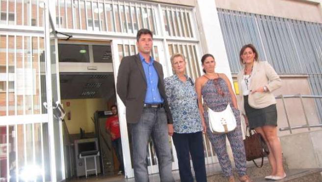 Familia de Soledad Donoso con la abogada y el criminólogo