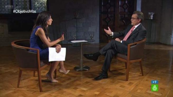 Artur Mas y Ana Pastor, durante la entrevista este 28 de septiembre en 'El Objetivo'.