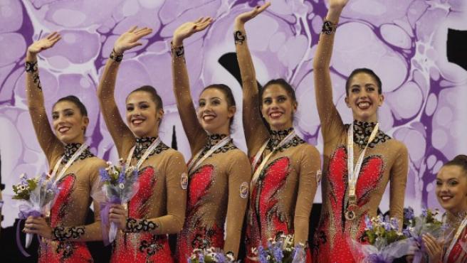 Equipo español de gimnasia rítmica, con el oro en mazas.
