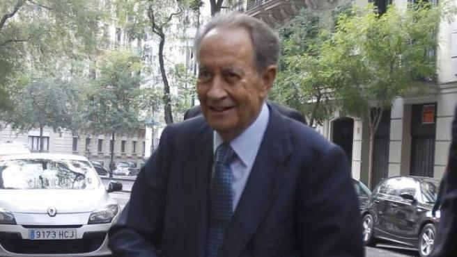 El presidente de la constructora OHL, Juan Miguel Villar Mir, a su llegada a la sede de la Fiscalía Anticorrupción en Madrid para declarar como imputado ante el fiscal Pedro Horrach por la presunta adjudicación fraudulenta del hospital Son Espases de Palma de Mallorca.