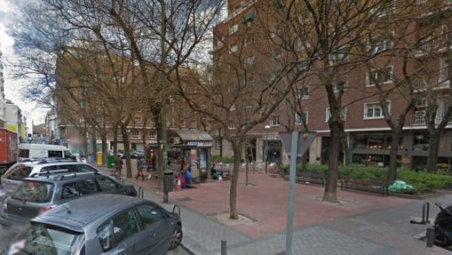Acacias en la calle Gabriel Lobo, en una imagen de Google Maps