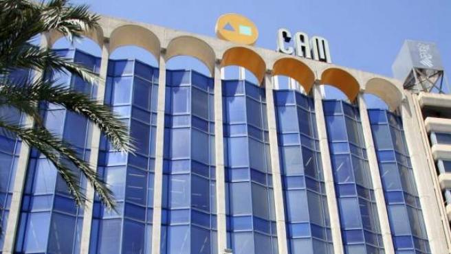 Vista de la sede central de Caja Mediterráneo (CAM) en la ciudad de Alicante.
