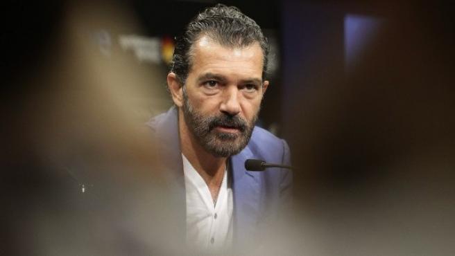 Antonio Banderas presenta su película 'Autómata' en el Festival de San Sebastián.