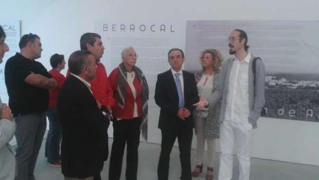 Rodríguez Visita Centro Del Agua Y Arte Villanueva Algaidas Museo Berrocal