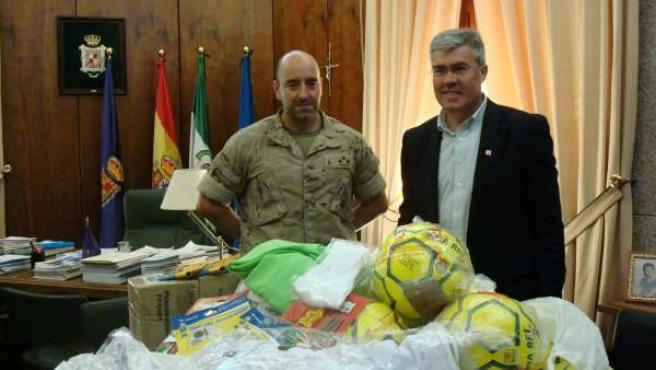 Entrega de material escolar y deportivo para niños del Líbano