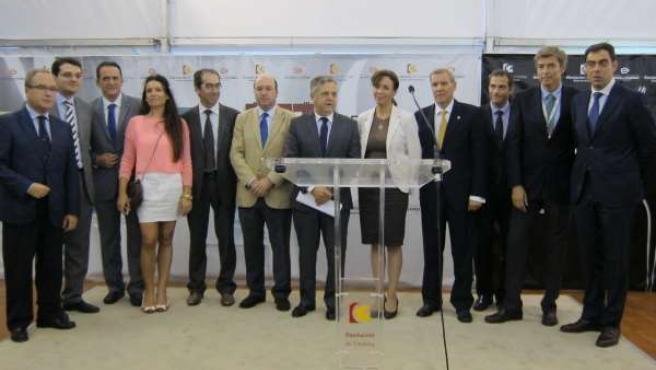 Autoridades asistentes a la inauguración