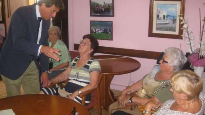 Isern en una visita a Establiments