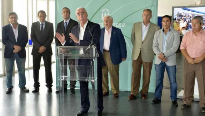 La Junta se posiciona con los clubes modestos y con el deporte base andaluz