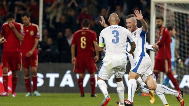 Gol de Eslovaquia frente a España en el compromiso de la fase de clasificación de la Eurocopa 2016.