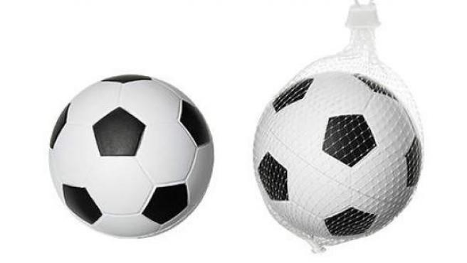 Balón de espuma para bebés que ha sido retirado del mercado por provocar una posible asfixia.