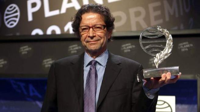 Jorge Zepeda gana el Premio Planeta 2014.