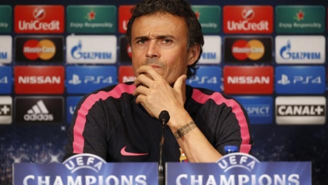 El entrenador asturiano del Fútbol Club Barcelona, Luis Enrique Martínez, atiende a los medios de comunicación en la previa de un compromiso de Champions.