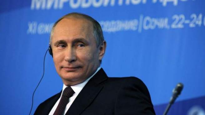 El presidente ruso, Vladimir Putin, en el club de debate 'Valdia' en la localidad de Sochi, Rusia.