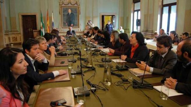 El pleno del Ayuntamiento de Huelva en sesión extraordinaria.