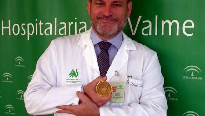 Manuel Romero Gómez recibe Medalla de Oro de la SAPD