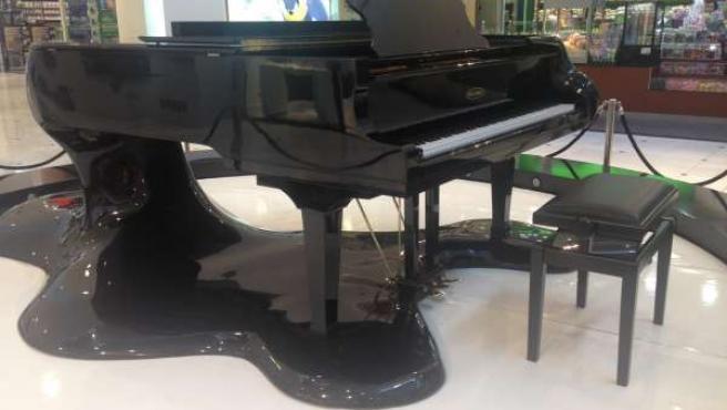 Leaking Piano