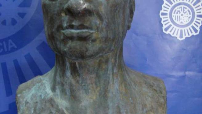 Busto de Rubén Darío sustraído y recuperado en Cádiz