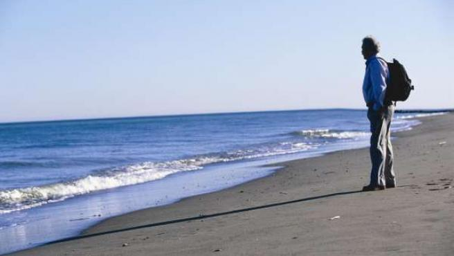 Turista viajero playa málaga costa del sol turismo relax clima agua