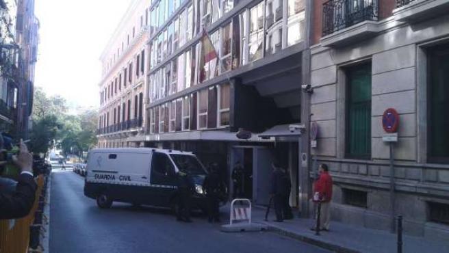 Furgón con los detenidos en la Operación Púnica