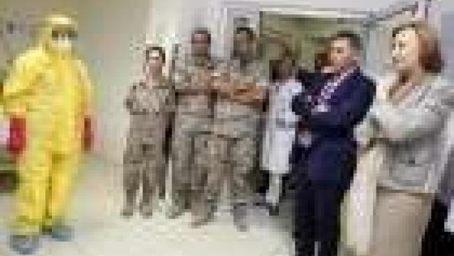 La presidenta de Aragón ha visitado el Hospital Royo Villanova.