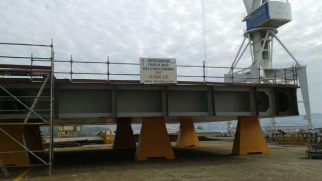 Preparación de la colocación de la quilla del flotel para Pemex en Ferrol