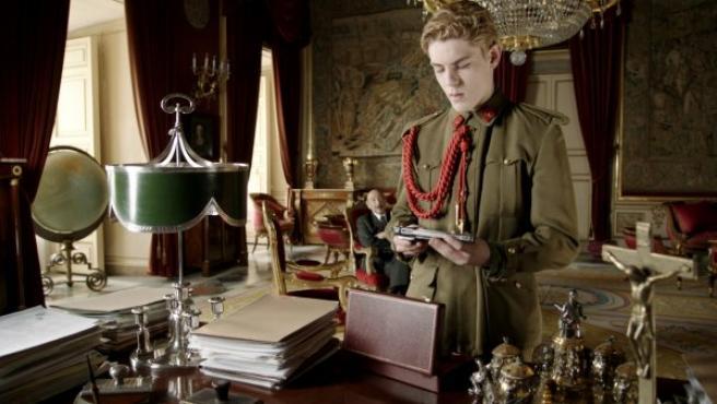 Patrick Criado en el papel de Juan Carlos I en la película biográfica 'El rey'.