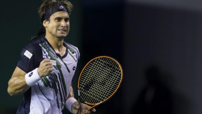 El tenista español David Ferrer reacciona ante el belga David Goffin durante el partido que enfrentó a ambos en el Master 1000 París-Bercy en París (Francia) el miércoles 29 de octubre de 2014.