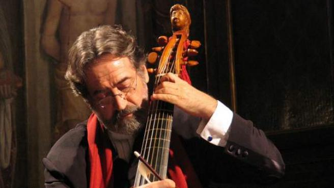 El músico catalán Jordi Savall se dedica a difundir la música medieval, barroca y renacentista.