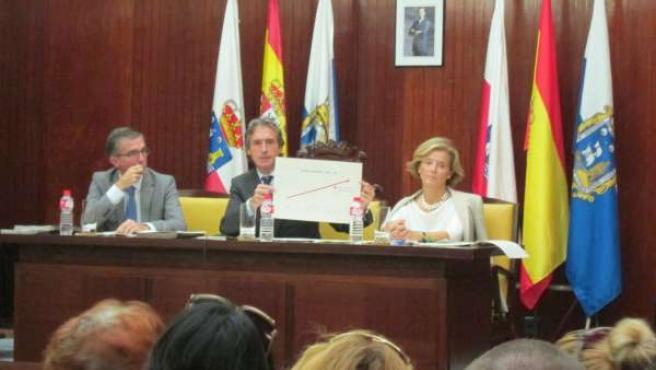 El alcalde en el Pleno de Santander