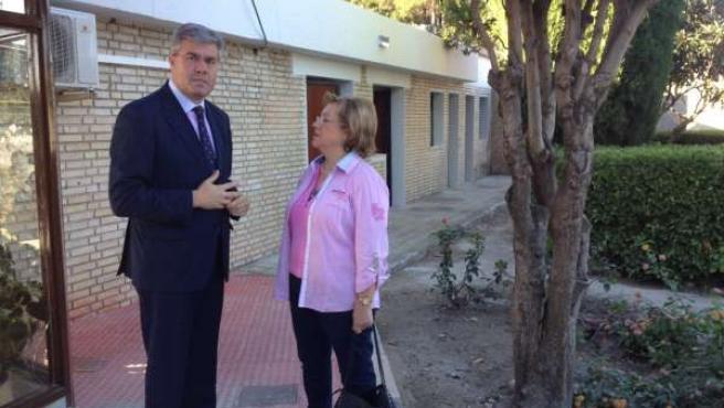 Visita del alcalde de Jaén al cementerio de San Fernando