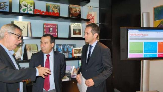 José Lebrero, Ruiz Espejo y Joaquin Ramírez de la caixa en el Museo Picasso